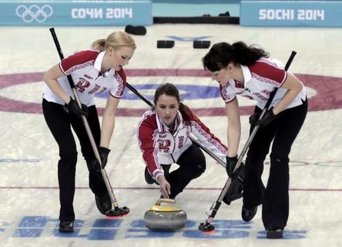Anna-Sidorova-Alexandra-Saitova-&-Ekaterina-Galkina---Sochi-Winter-Olympics-2014-05-720x521.jpg