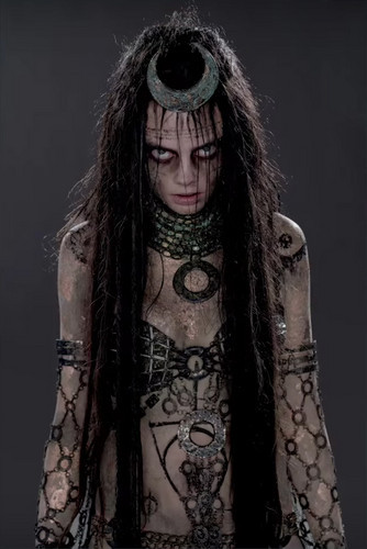 Character-Promos-Cara-Delevingne-as-Enchantress-suicide-squad-39678977-334-500.jpg