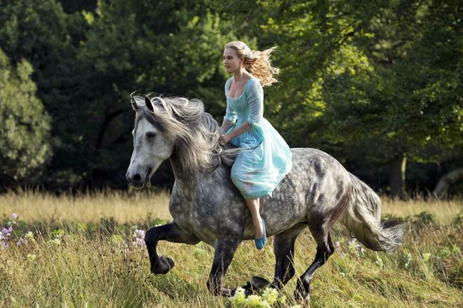 cinderella-movie-2015-stills-hd-wallpapers.jpg